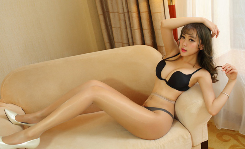 Japanese shiny pantyhose